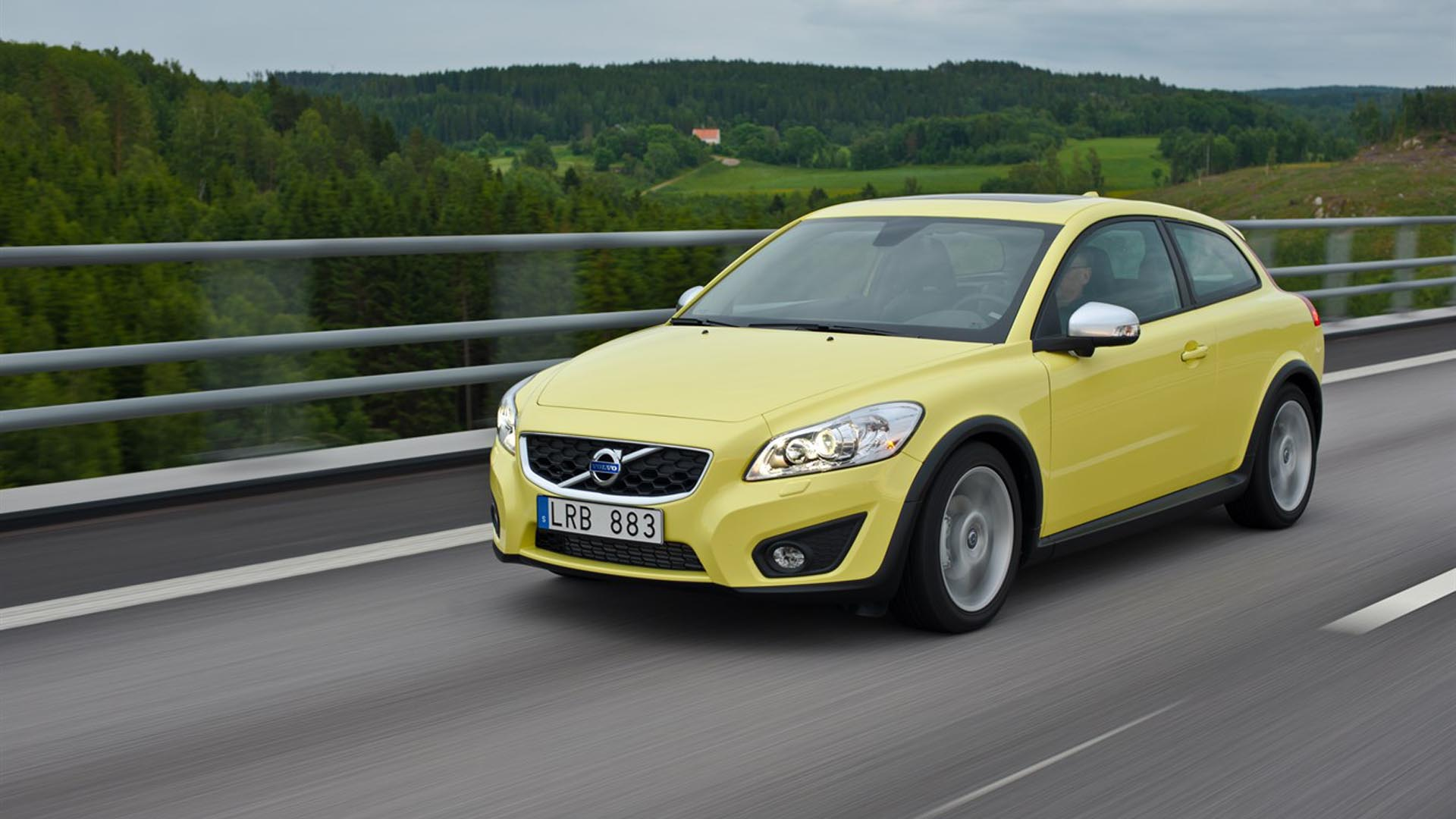 The 5 Cheapest, Reliable, High-Performance Volvos Right Now