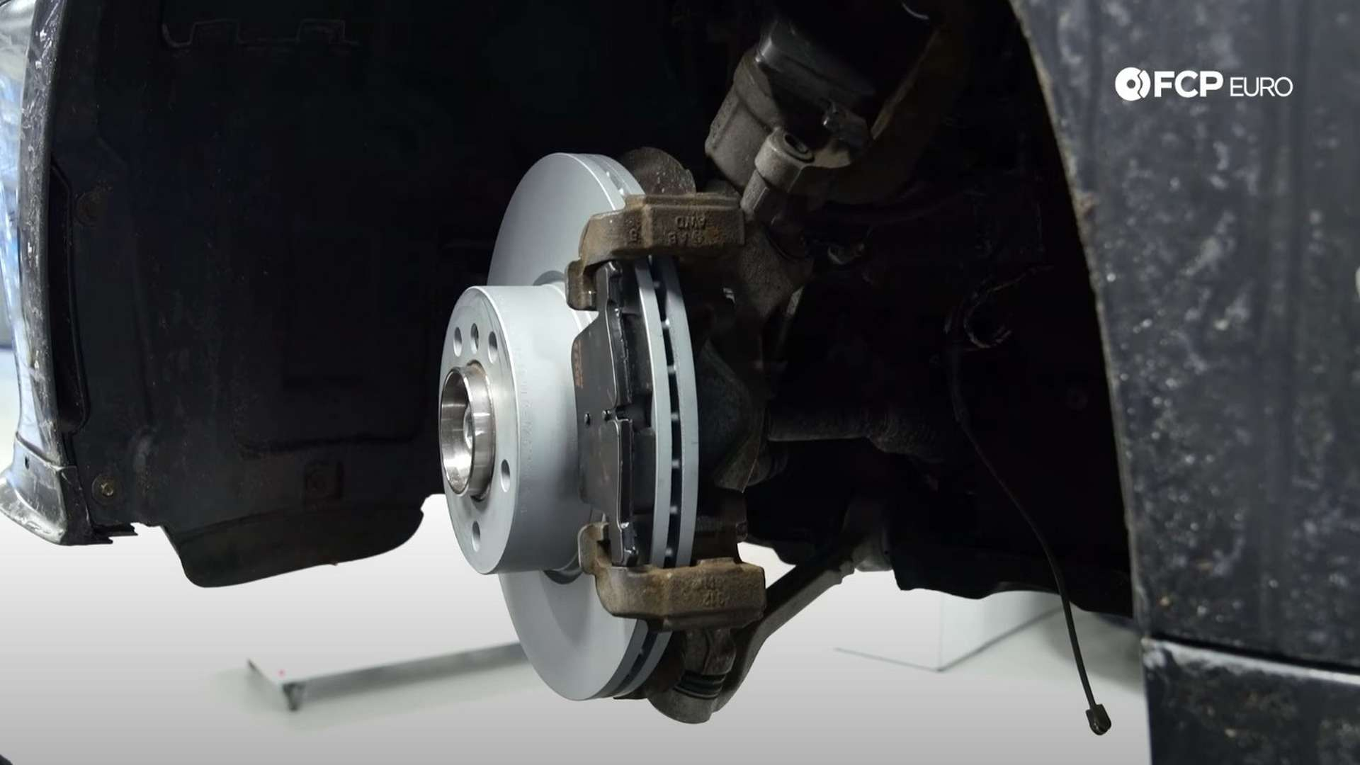 How To Replace BMW F30 Front Brake Pads & Discs (BMW 2-Series, 3-Series, & 4-Series)